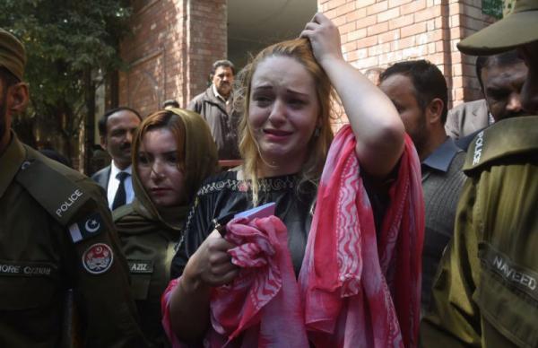 Пакистанские каникулы строгого режима: модель из Чехии получила 8 лет тюрьмы за попытку перевезти 8,5 кг героина